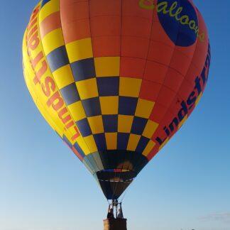 Aeronaut flyger luftballong i Skane